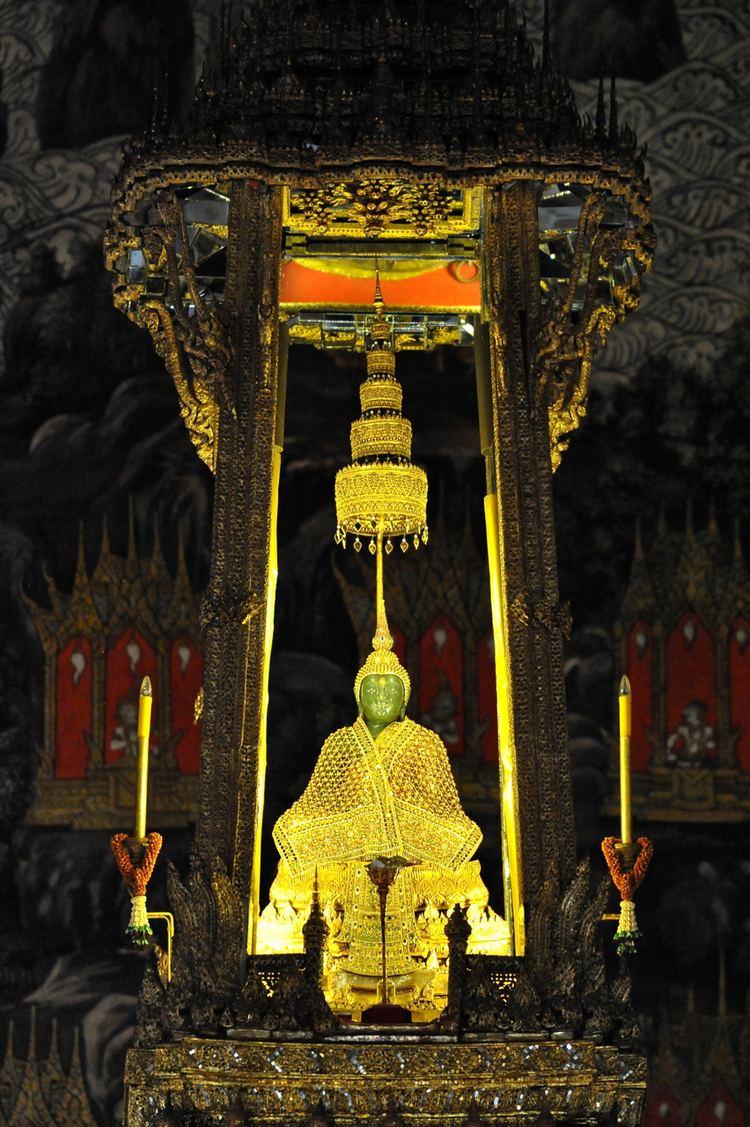 Emerald Buddha httpsuploadwikimediaorgwikipediacommons88