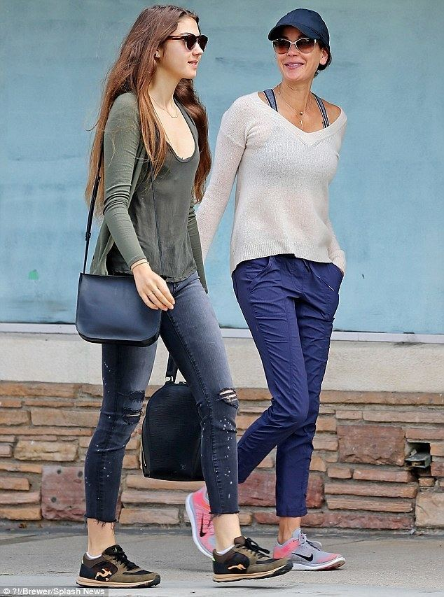 Emerson Tenney Teri Hatcher and daughter Emerson Tenney lunch together in
