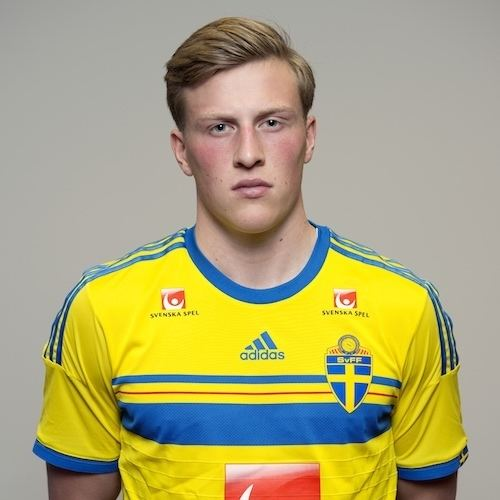 Emil Bergstrom DIF Fotboll Emil Bergstrm ansluter till U21landslaget