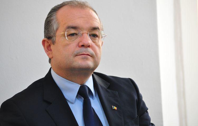 Emil Boc VIDEO Primarul Emil Boc sa batut in centrul Clujului