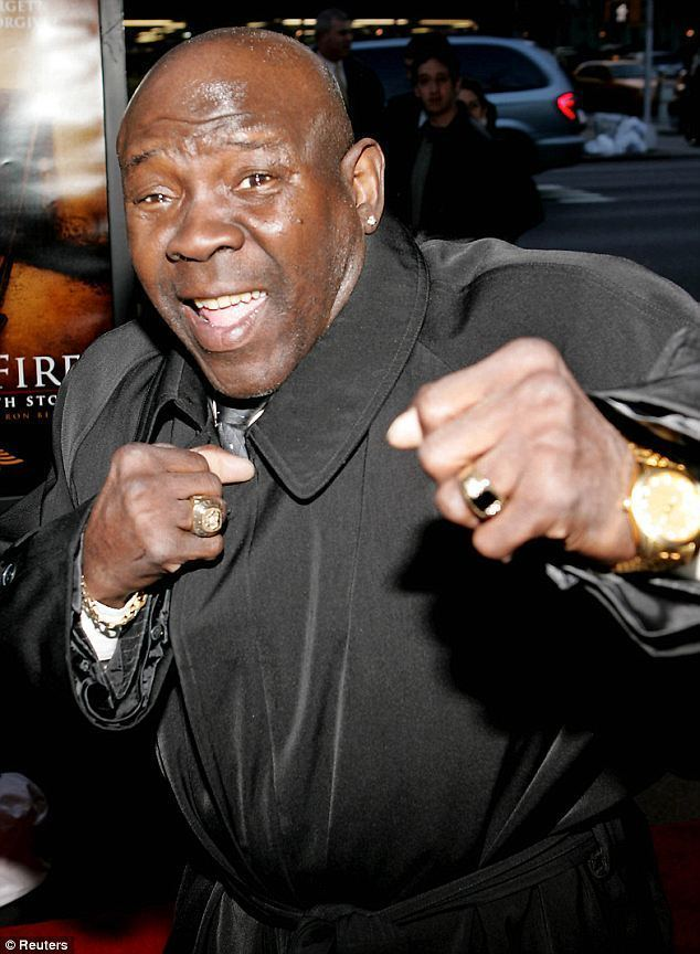 Emile Griffith Emile Griffith dead at 75 Champion boxer who famously won a title