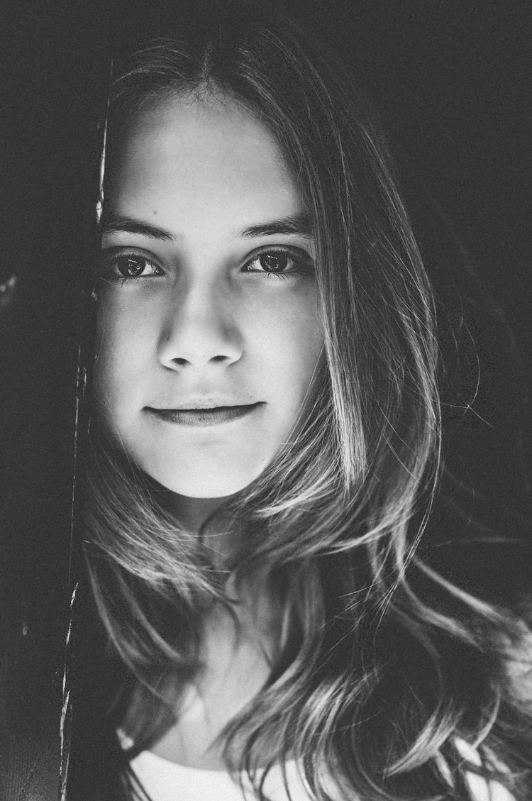 Emilia Jones Emilia Jones Headshots IMDb Samie Lee photography