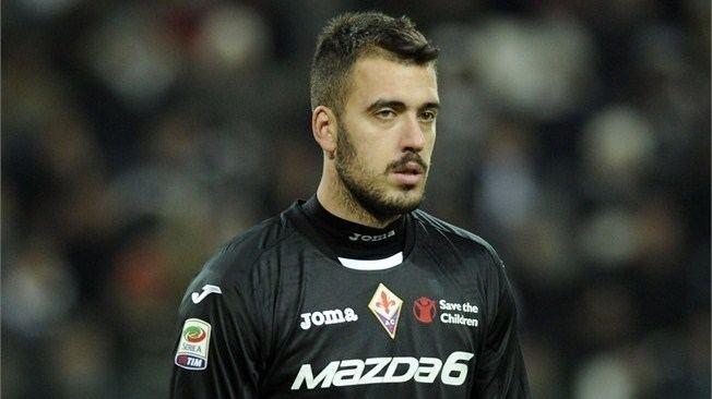 Emiliano Viviano Arsenal sign Emiliano Viviano on seasonlong loan from