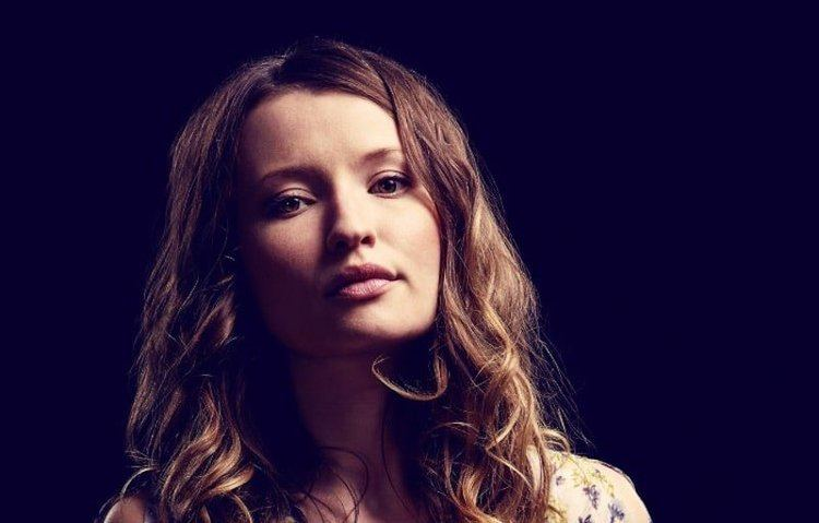 Emily Browning Who is Emily Browning actress behind Laura Moon on American Gods