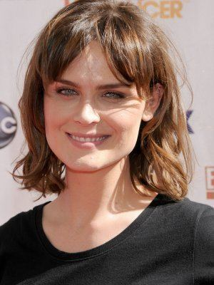 Emily Deschanel Emily Deschanel Plastic Surgery Before and After Celebrity Sizes