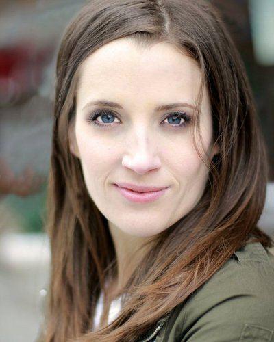 Emily Dunn (actress) Emily Dunn TheEmilyDunn Twitter