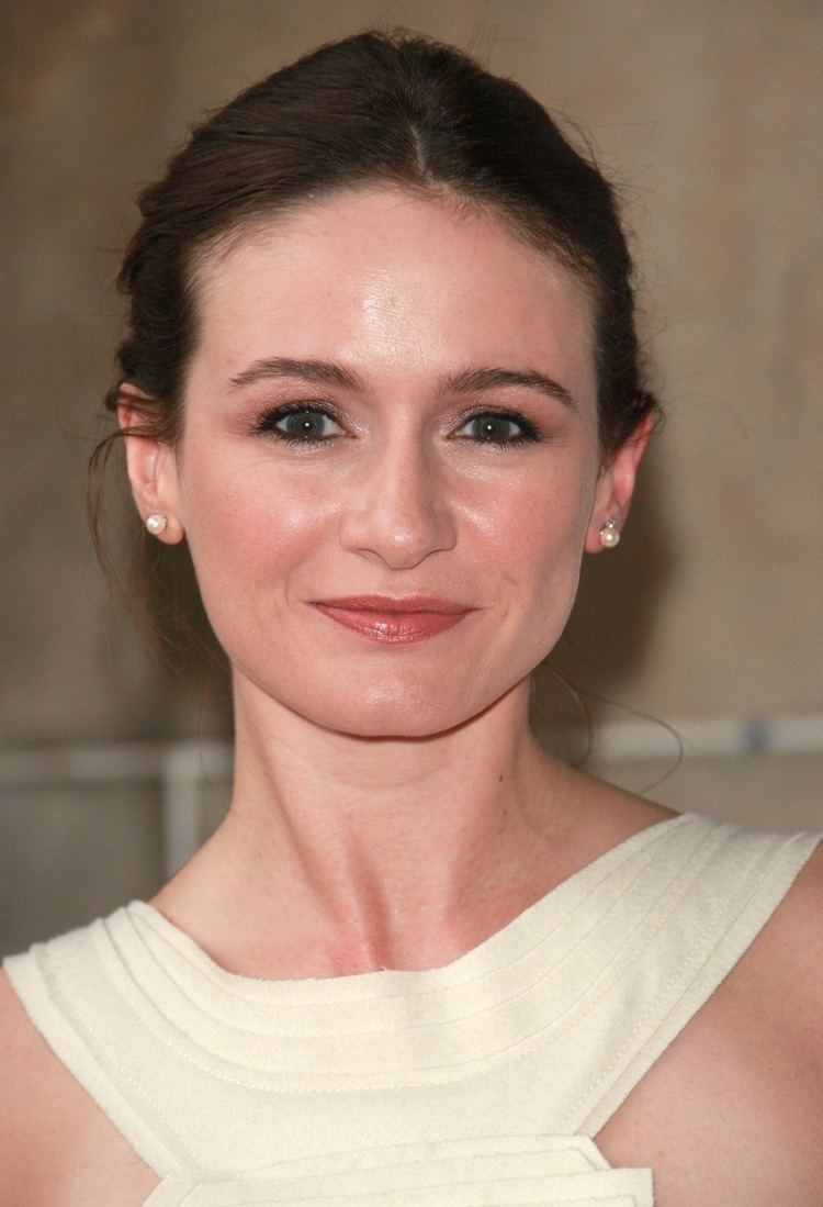 Emily Mortimer: a biography and career 15