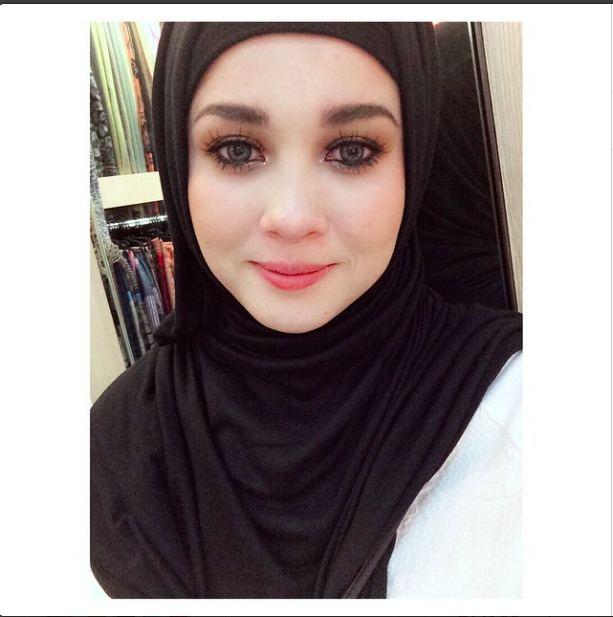 Emma Maembong Pelakon Cantik Emma Maembong Belajar Pakai Purdah