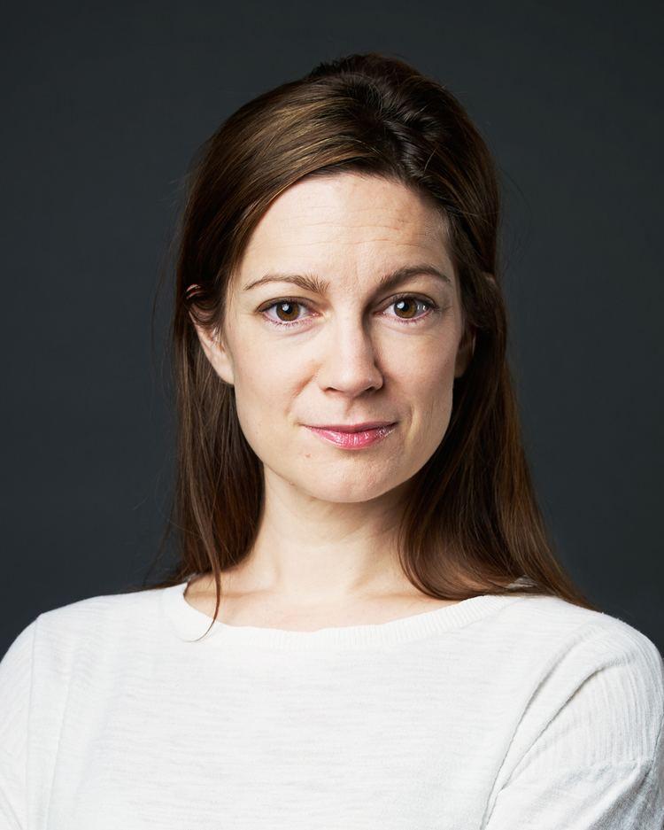 Emma Peters httpsuploadwikimediaorgwikipediacommons77