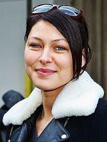 Emma Willis httpsuploadwikimediaorgwikipediacommonsthu