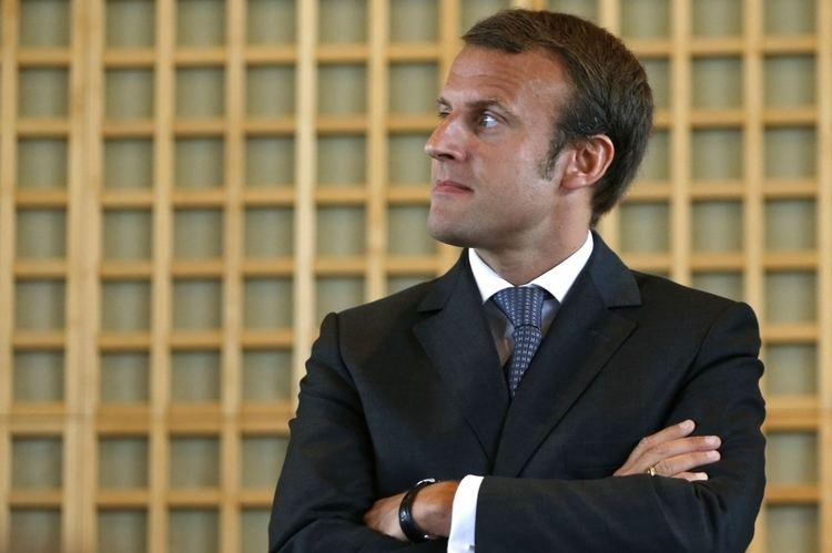 Emmanuel Macron Ministre de l39conomie 36 ans Emmanuel Macron l39homme