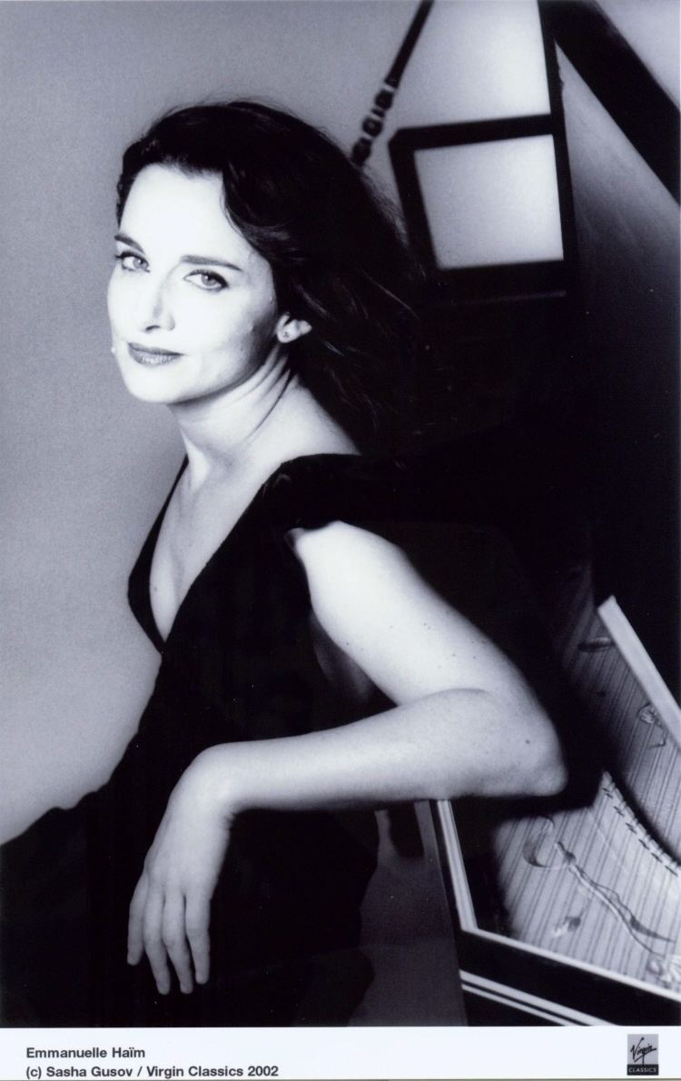 Emmanuelle Haïm Emmanuelle Haim Conductor Harpsichord Short Biography