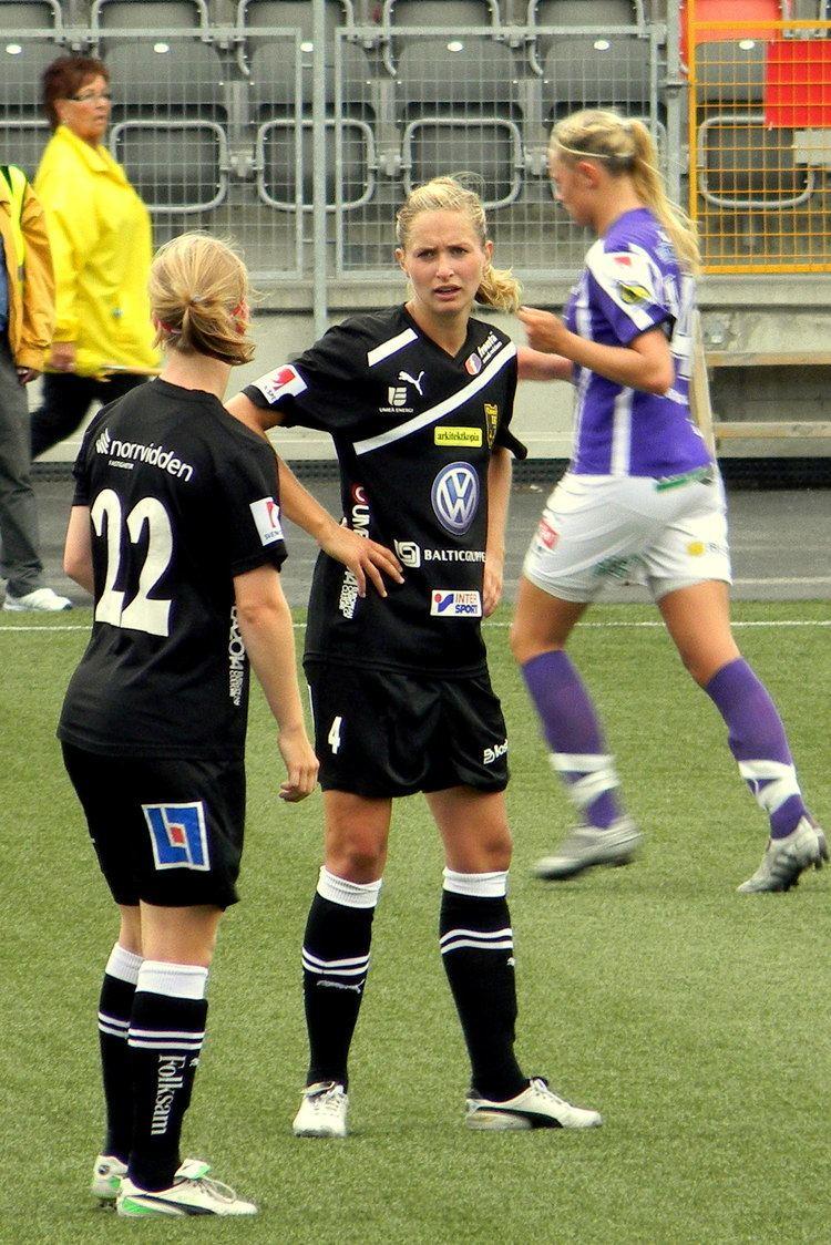 Emmelie Konradsson FileEmmelie Konradsson and Linda Molinjpg Wikimedia Commons