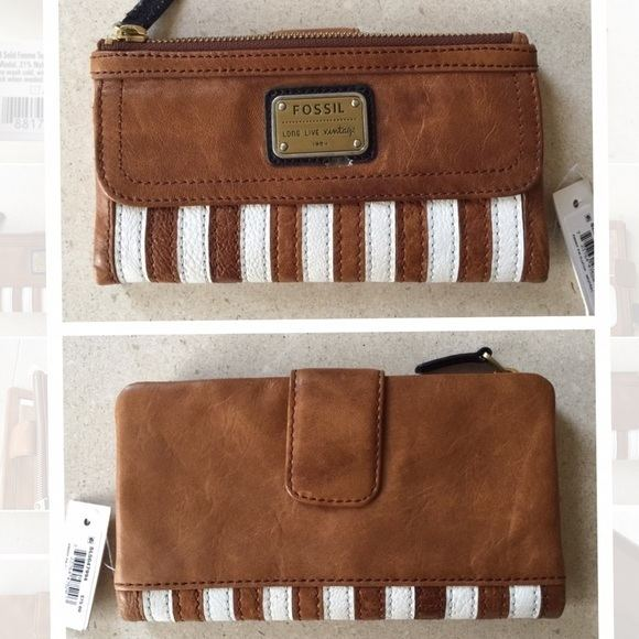 Emory Long 16 off Fossil Handbags FOSSIL EMORY LONG LIVE VINTAGE WALLET
