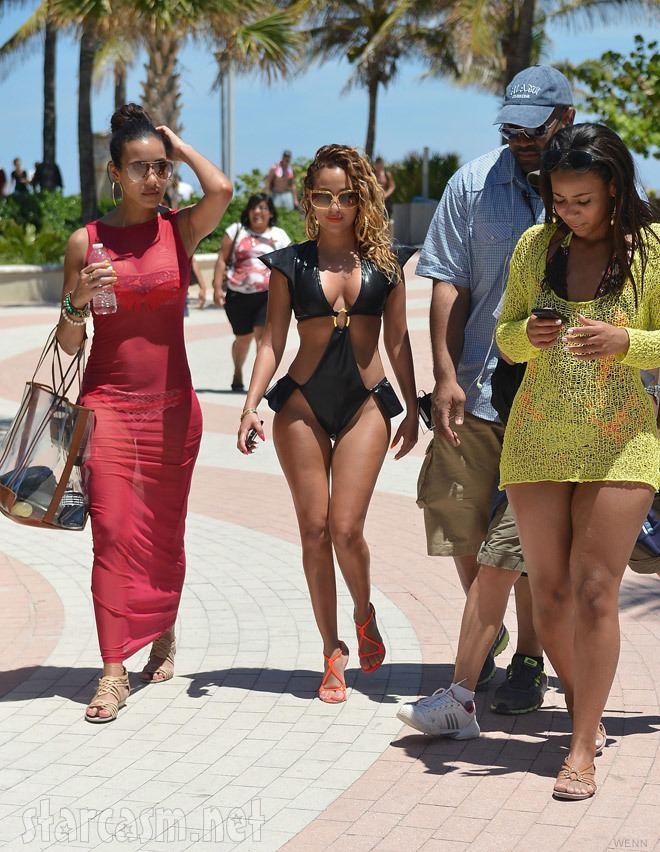 Empire Girls: Julissa and Adrienne PHOTOS Julissa Bermudez and Adrienne Bailon in bikinis filming