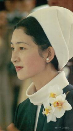 Empress Michiko httpssmediacacheak0pinimgcom236x2dcea2