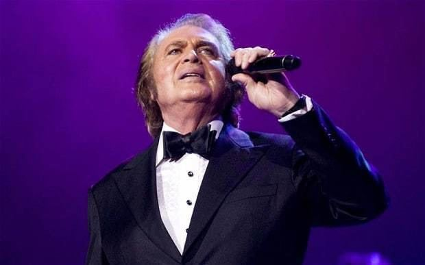 Engelbert Humperdinck (singer) Engelbert Humperdinck 39Release Me released me from debts