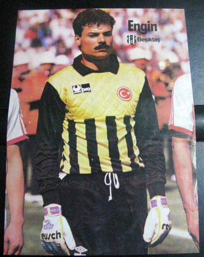 Engin İpekoğlu Have any footballers won three consecutive titles with different
