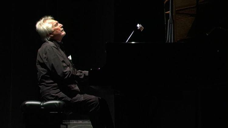 Enrico Intra Enrico Intra trio alla Casa del Jazz Jazz Agenda