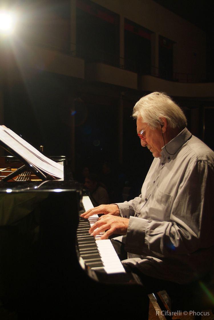 Enrico Intra Un39irripetibile esibizioneil jazz come la vita 1
