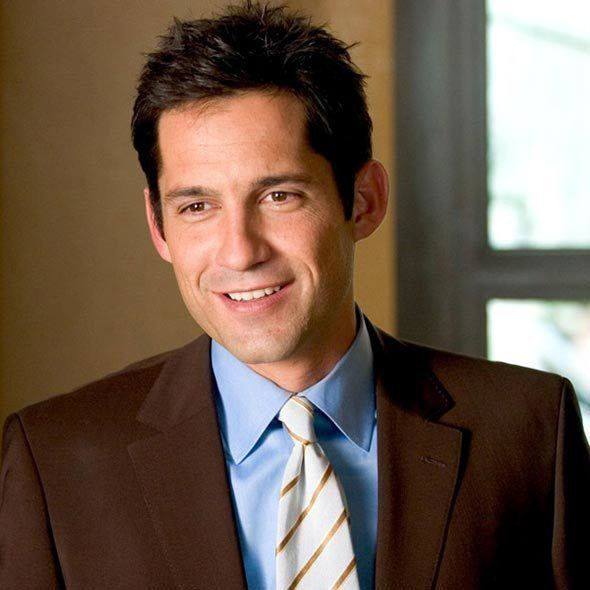 Enrique Murciano Murciano Allegedly Gay With Splendid Net Worth No Girlfriend After