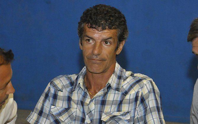 Enrique Saravia Enrique Saravia se postula para diputado Diario La Repblica