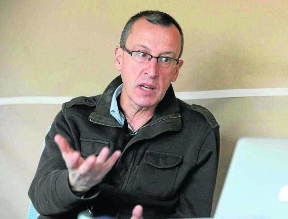 Enrique Zuazua Iaki Anasagasti ZUAZUA Y DEL CERRO DOS INVESTIGADORES