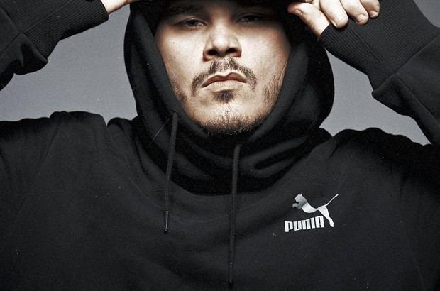 Ensi (rapper) Ensi rapper e re del freestyle che odia Sanremo e le