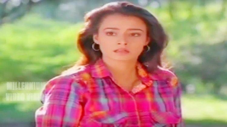 Ente Sooryaputhrikku Malayalam Film Song Rapadi Pakshikootam Chekera Kootil Ente