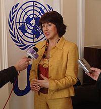 Envera Selimović httpsuploadwikimediaorgwikipediabsthumb5