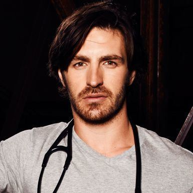 Eoin Macken Eoin Macken Chats Cold At a Glance
