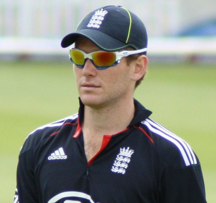 Eoin Morgan (Cricketer) playing cricket