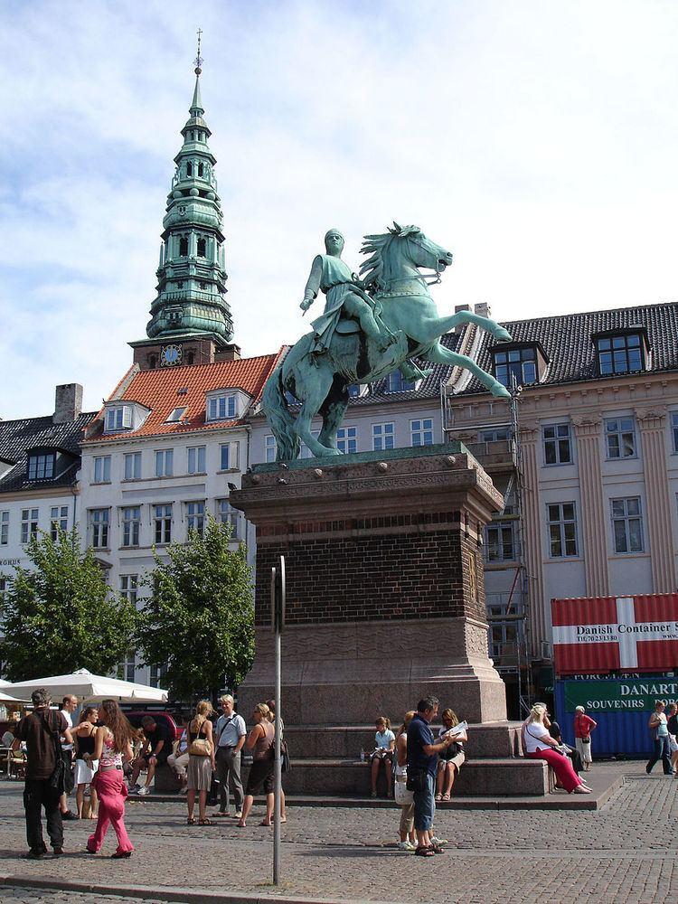 Equestrian statue of Absalon