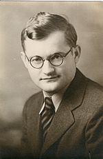 Erhard Fernholz httpsuploadwikimediaorgwikipediacommonsthu