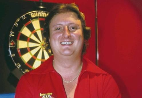 Eric Bristow Crafty Cockney Eric Bristow shoots from lip