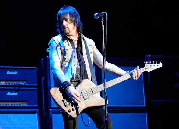 Eric Brittingham Eric Brittingham Photos Photos Scorpions And Cinderella Perform At