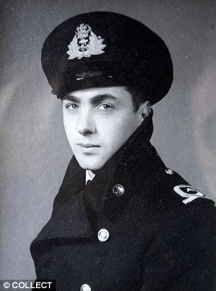 Eric Brown (pilot) Eric Winkle Brown dies aged 97 Britains greatest test pilot