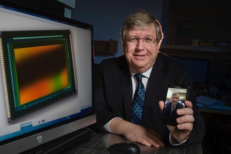 Eric Fossum Dartmouth Prof Fossum Wins Queen Elizabeth Prize for Engineering