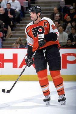 Eric Lindros Eric Lindros NHL Alumni Celebrity Captain