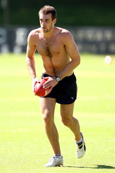 Eric Mackenzie (footballer) WestCoastEaglesTrainingSessionalGyiJaKxlWljpg