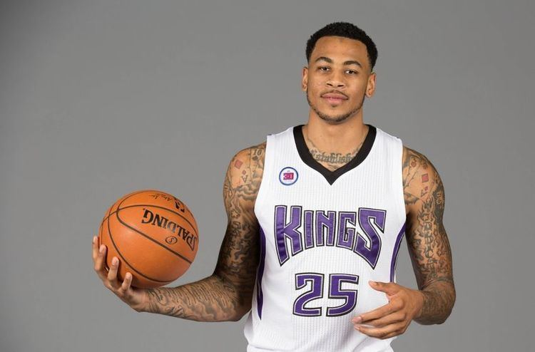 Eric Moreland Sacramento Kings Kings To Place Eric Moreland On Waivers