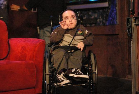 Eric the Actor rs110308ericthemidgetwavinghi622x423jpg