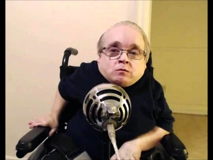 Eric the Actor Eric The Midget Actor 2007 on ReVShow YouTube