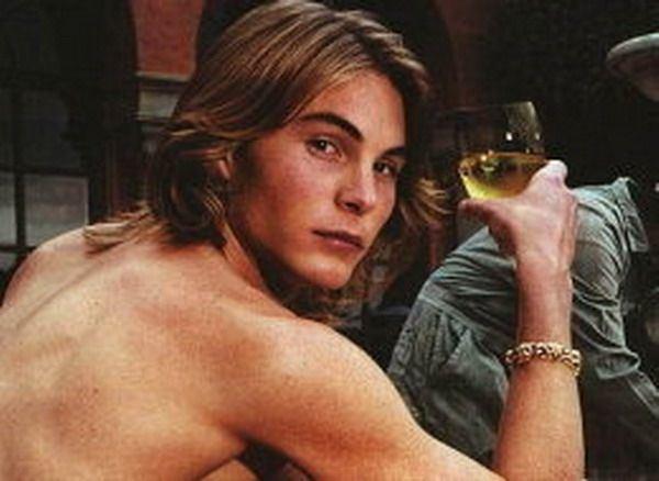 Eric Zentner Eric Zentner imaginea casei Versace accidentat mortal