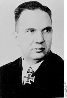 Erich Bey httpsuploadwikimediaorgwikipediacommonsthu