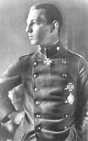 Erich Löwenhardt Theory of aces