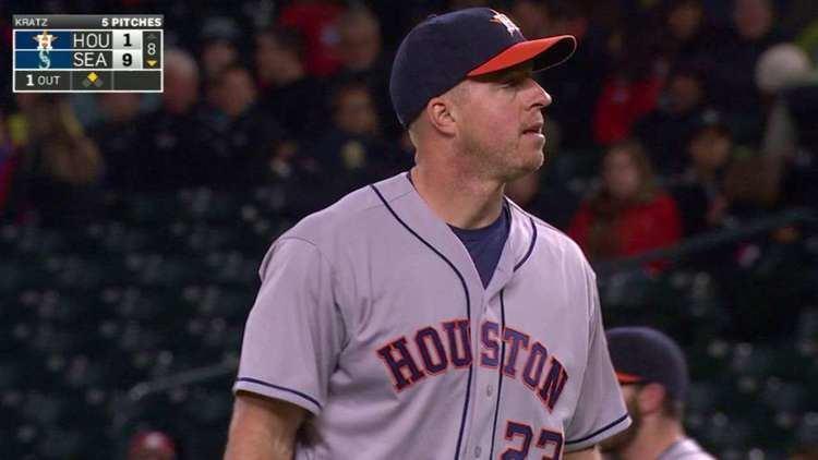 Erik Kratz Astros catcher Erik Kratz pitches inning MLBcom