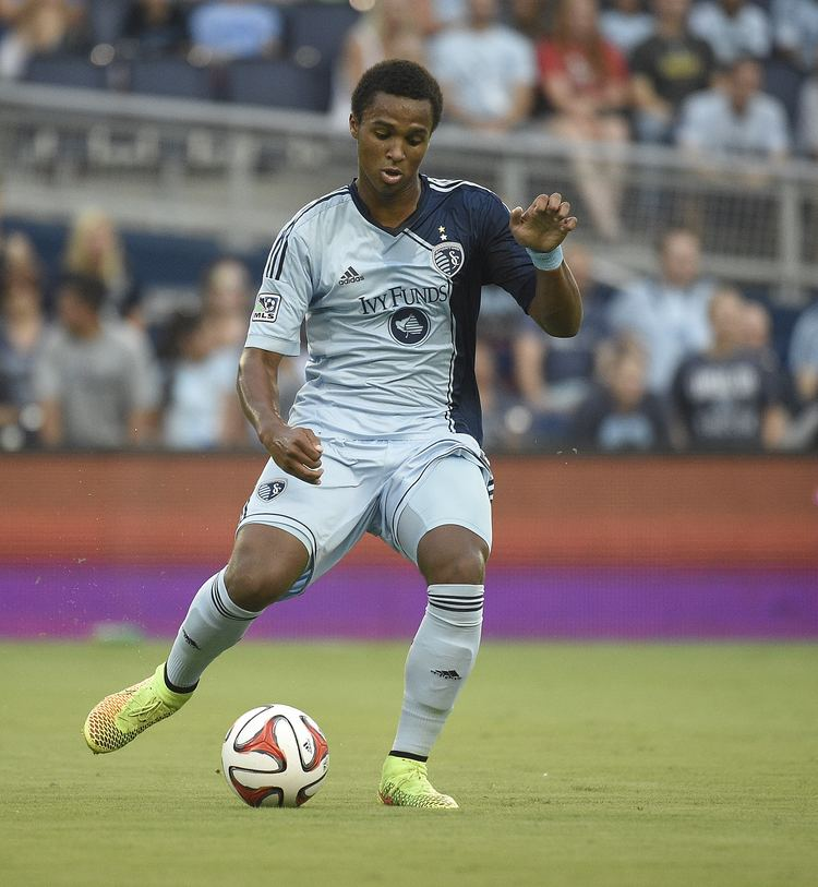 Erik Palmer-Brown Sporting KC39s PalmerBrown Balances Professional Soccer