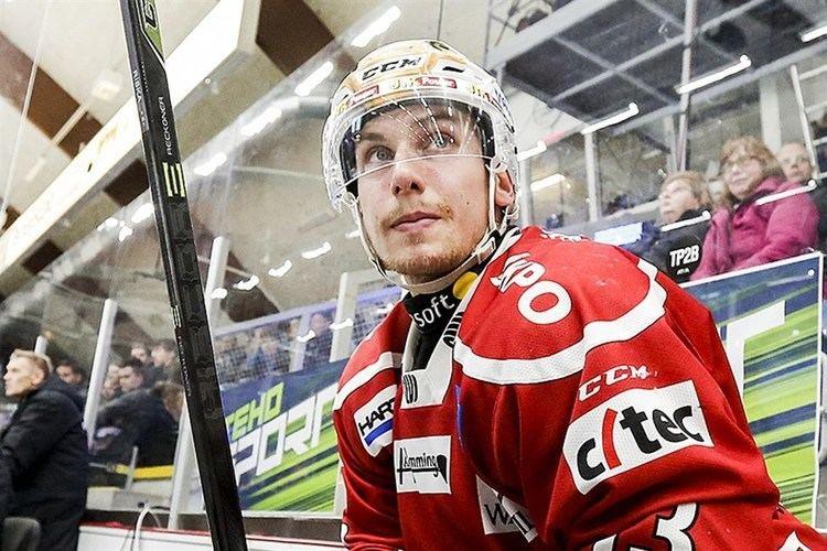 Erik Riska Skadeproblem i Sport Riska borta lnge Vasabladet