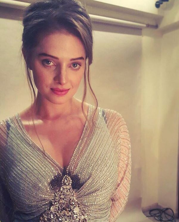 Erika Kaar Shivaay Movie Coactress Erika Kaar Wiki Images And HD Wallpapers